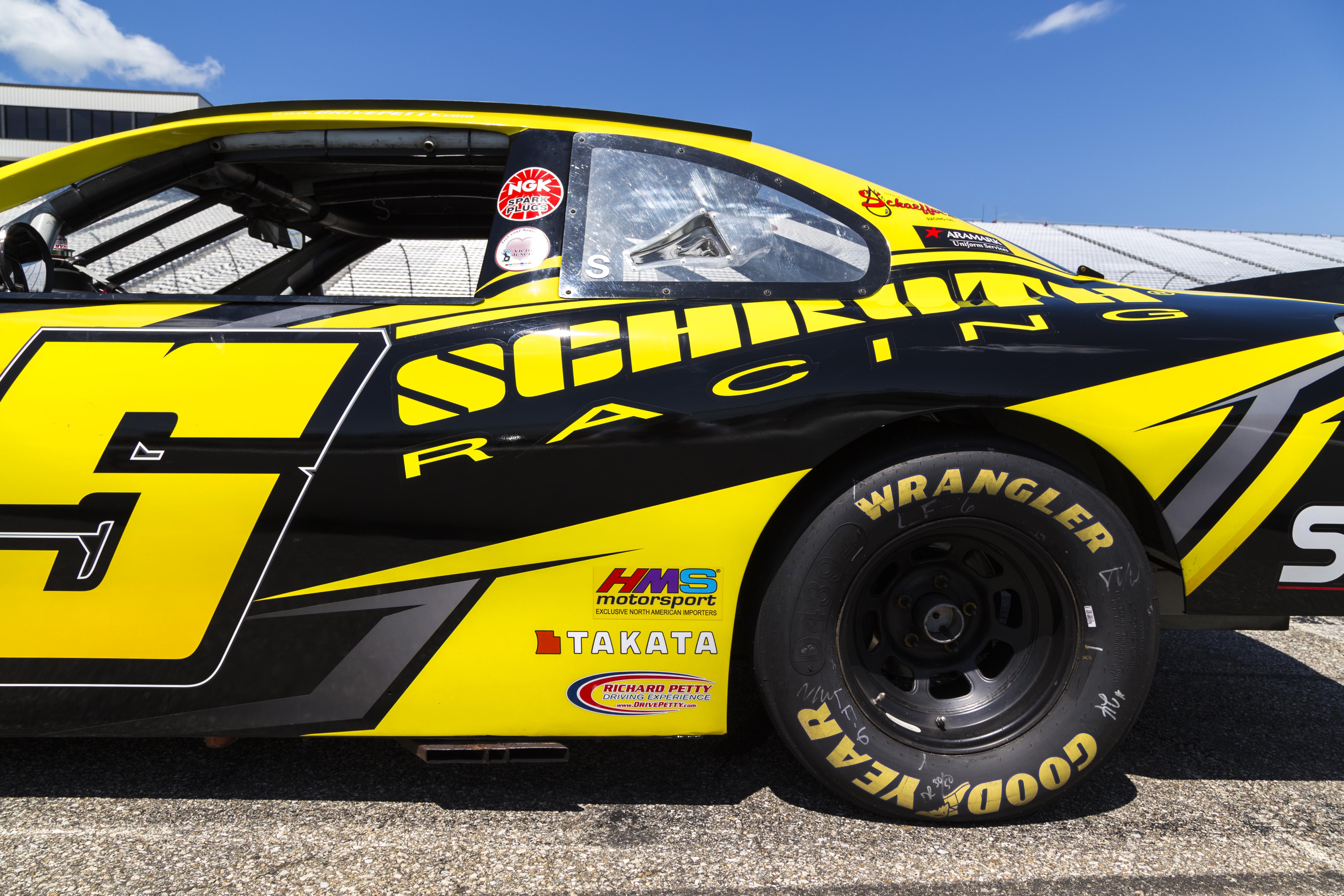 Schroth Racing Car - Nitro Designs